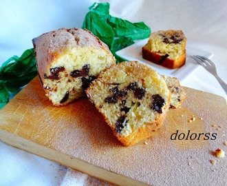 Plum cake de avellanas y chocolate