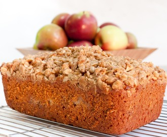 Apple Crumble Loaf