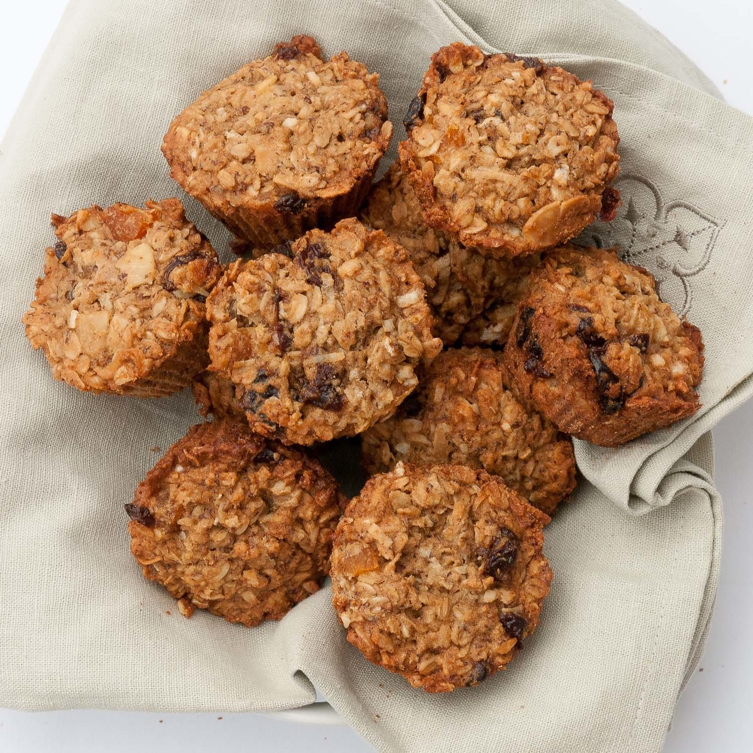 Fruit & Oatmeal Breakfast Bites