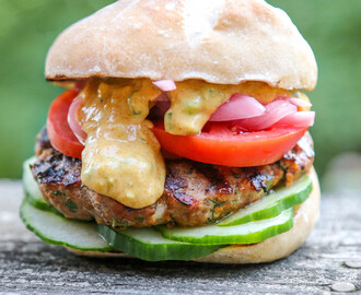 Turkey Feta Burgers with Yogurt Curry Sauce