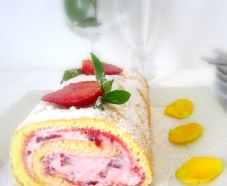 Rotolo fragole, panna e yogurt