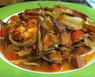 What's For Dinner [Thursday Edition]: Spanish-Style Fideos with Shrimp & Chorizo