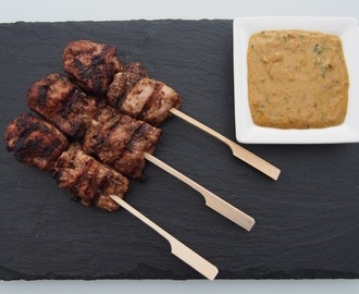 Chicken Satay skewers with spicy peanut sauce