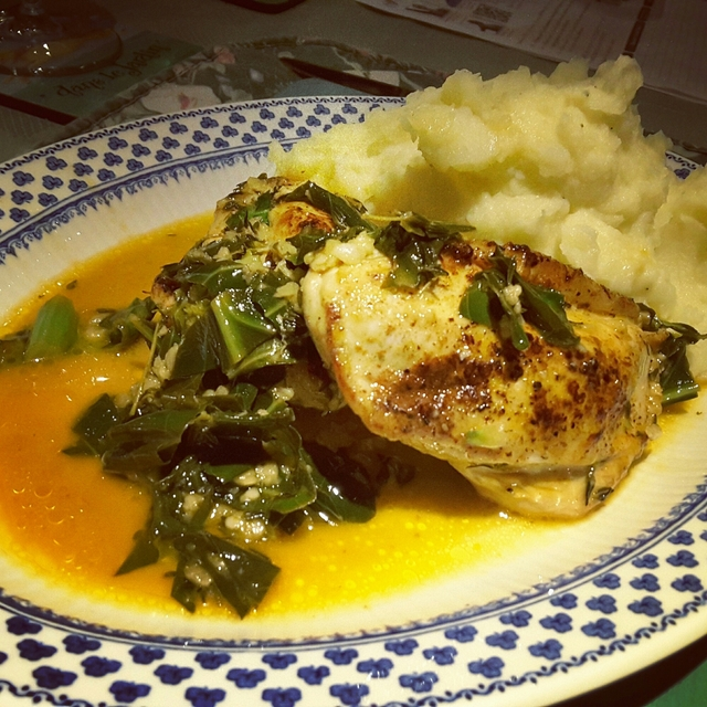 Chicken in butter, wine and thyme sauce