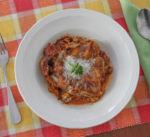 Slow Cooker Lasagna #SundaySupper