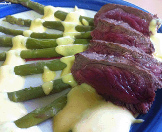 Kangaroo with asparagus and sauce hollandaise - Känguru mit Spargel und Sauce Hollandaise