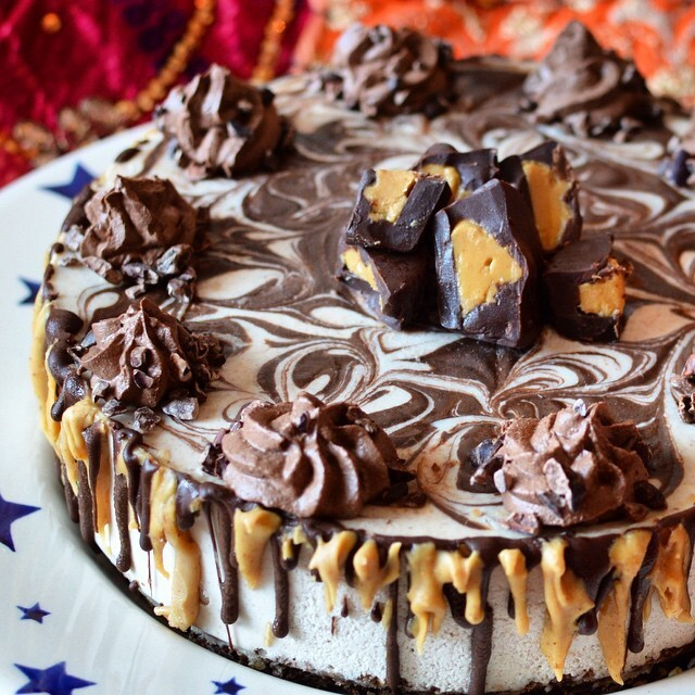 Raw peanut butter and chocolate ganache cheesecake with raw chocolate 'buttercream' icing