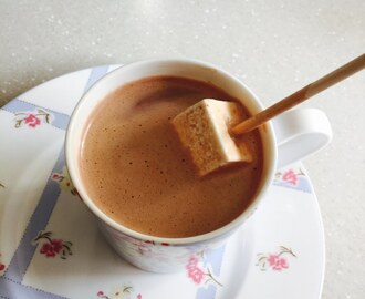 2 ingredientes: Chocolate quente com Nutella