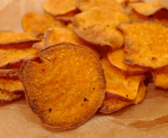 Homemade Sweet Potato Chips | the petite beet