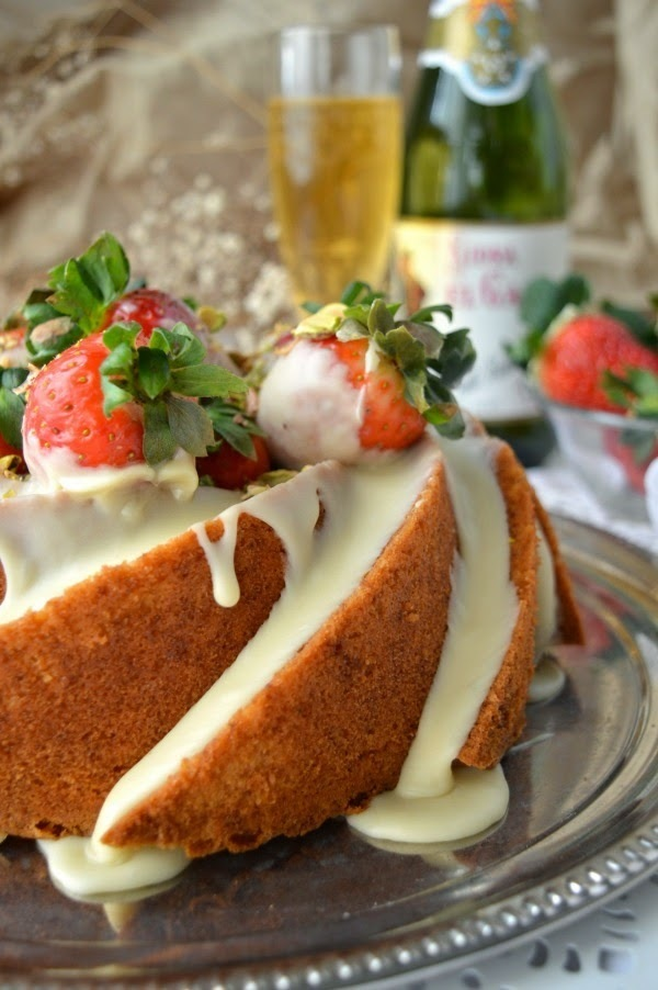 Cider White Chocolate Bundt Cake with White Chocolate Glaze - #BundtBakers