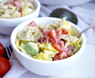 BLT pasta salad with avocado dressing