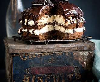 Cookies and Cream Layer Cake with White Chocolate Filling