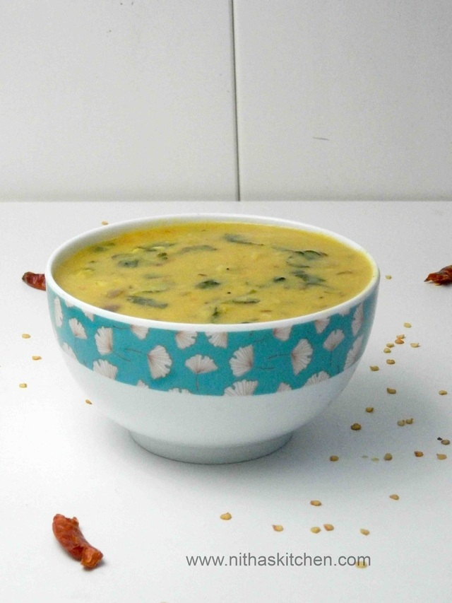 Paruppu Keerai | Moong Dhal with Verdolaga | Spinach Dhal Recipe