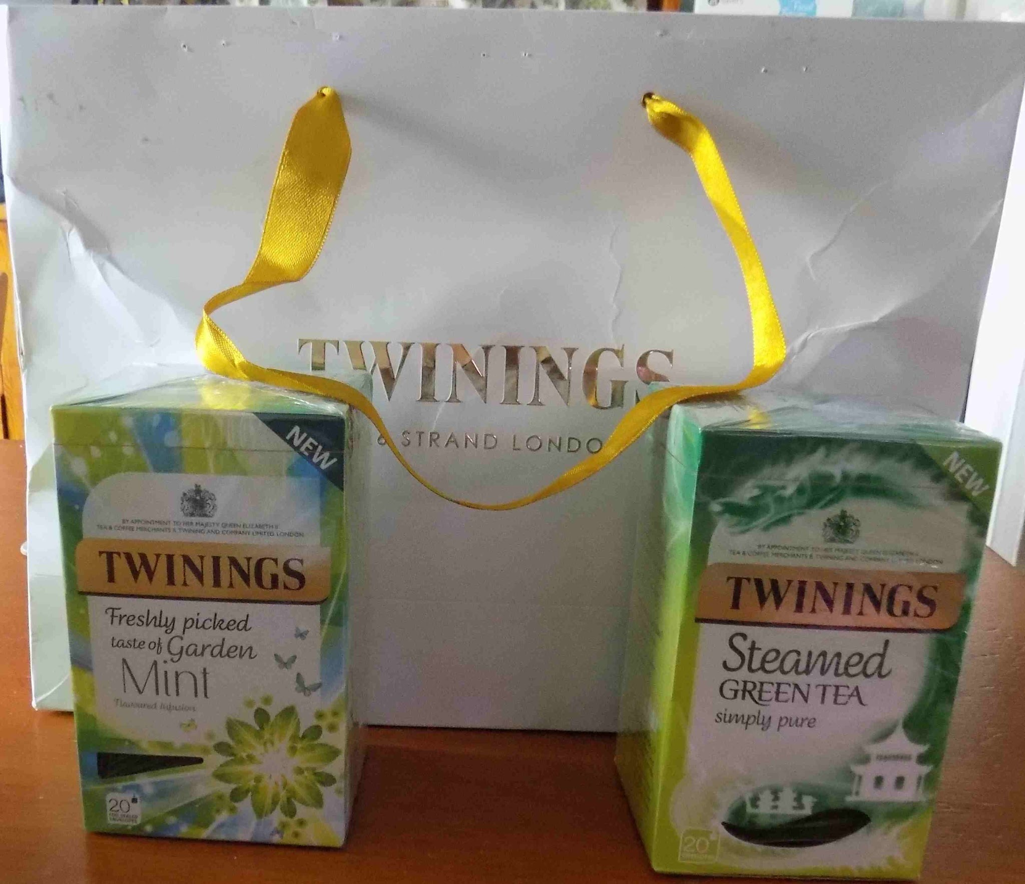 Tea for two or two for tea ! (review)