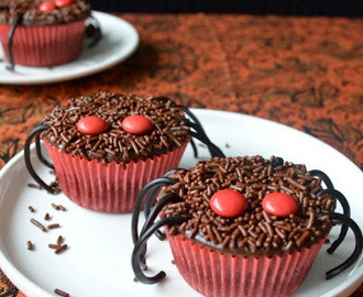 Spider Cupcake - Eggless Chocolate Cupcakes with Chocolate Glaze