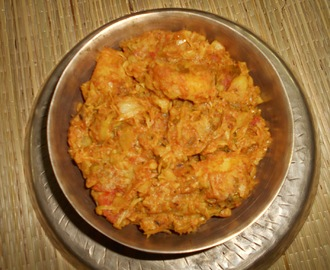 Bandhakopir Ghonto ( Bengali Recipe ) / Bengali Style Bandhakopir Ghonto / Bengali Style Cabbage And Potato Curry