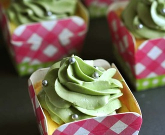 Coconut Chiffon Cupcake with Pandan Buttercream