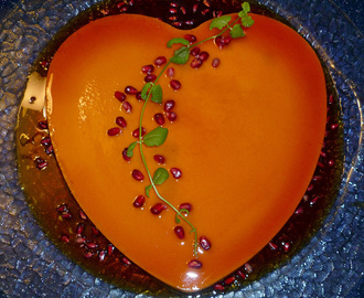 FLAN FOR VALENTINE'S DAY