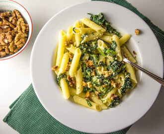 Creamy Pasta with sautéed Spinach, Ricotta and Walnuts