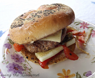 Burgers with Sweet and Spicy Bell Pepper Relish