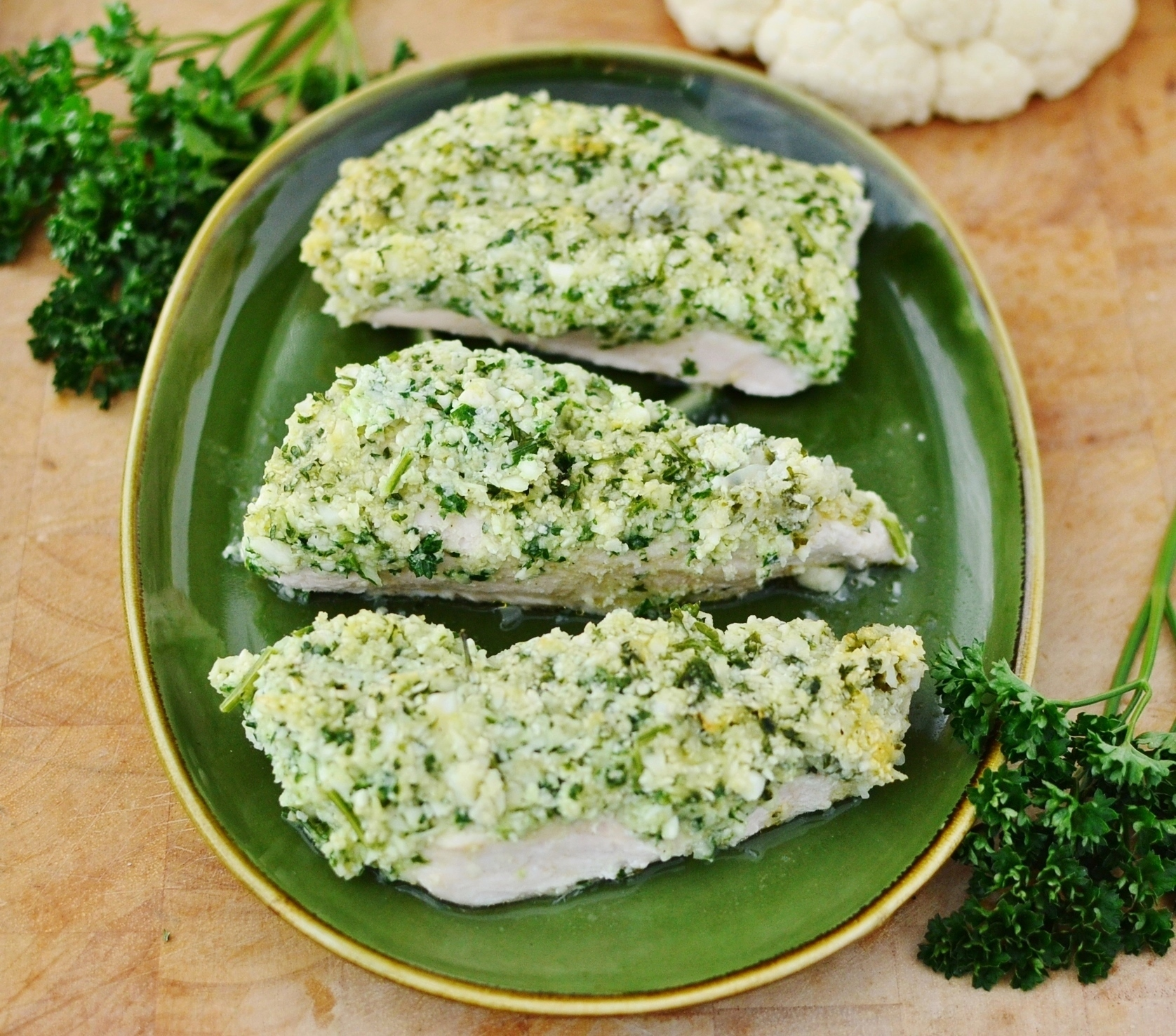 Chicken with cauliflower, parsley and parmesan
