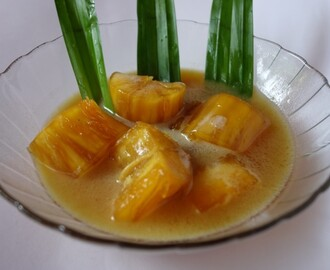 Indonesian cassava compote with coconut milk