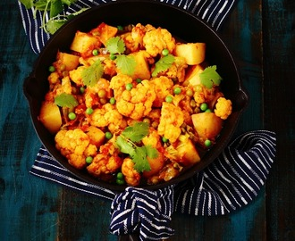 Aloo, Gobi aur Matar ki Sabji - Potato, Cauliflower and Green Peas Curry