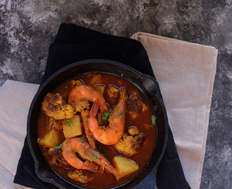 Prawn curry with potato and cauliflower..