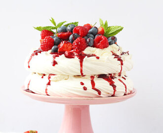 Quick & Easy Summer Berry Pavlova