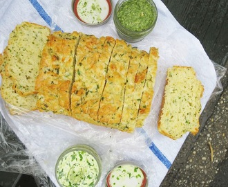 Cheese bread with field garlic