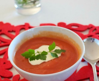 Easy tomato soup – vegan