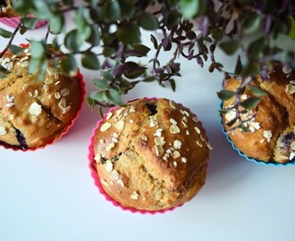 Healthy berry muffins with almondsSugar-free