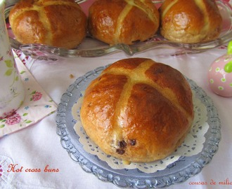 Hot cross buns (panecillos de Pascua)