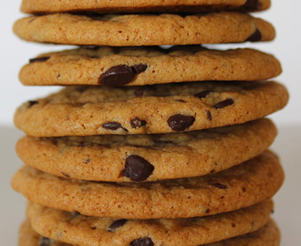 Easy Vegan Choc Chip Cookies