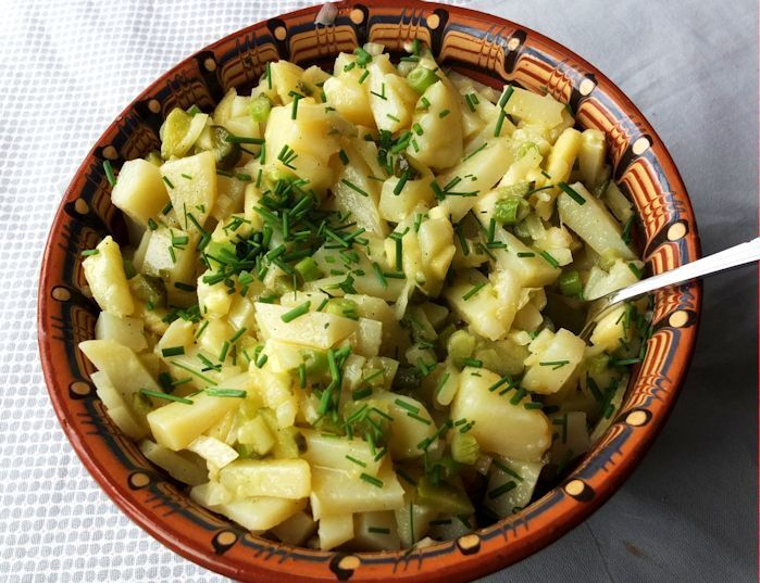German Potatoe Salad with Apple and Gherkins
