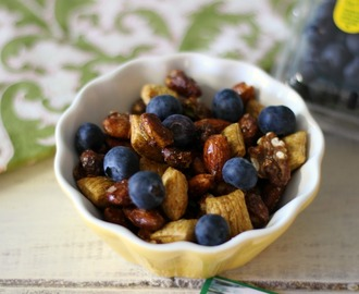 Blueberry Trail Mix #3pmSnack