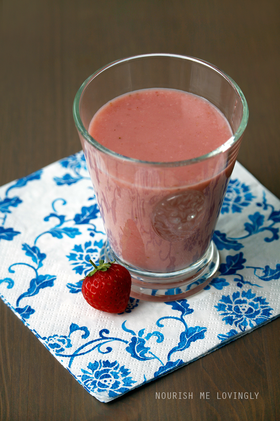 Strawberry-coconut smoothie (AIP)