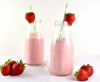 Strawberry and Greek Yogurt Smoothie