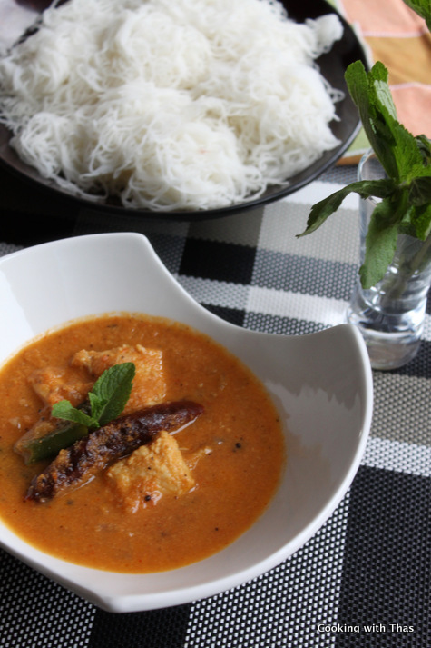 Fish in Tomato and Coconut Gravy – Fish Curry with Mint Leaves