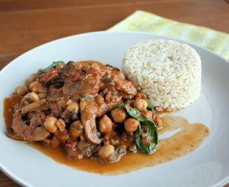 Chickpea, Mushroom & Spinach Curry