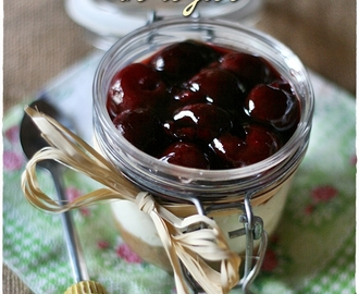 Cheesecake alle ciliegie in vasetto – Cherry cheesecake in a jar