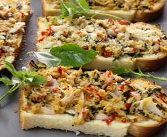 Bread Tuna Pizza