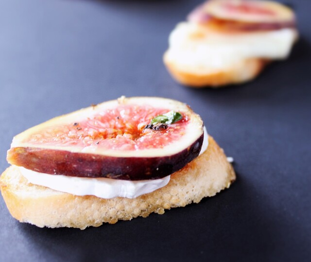 Fig & Goat's Cheese Crostini with a Honey, Orange & Basil Dressing