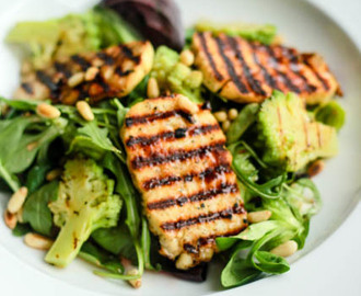 Halloumi Salad with Raspberry Vinaigrette