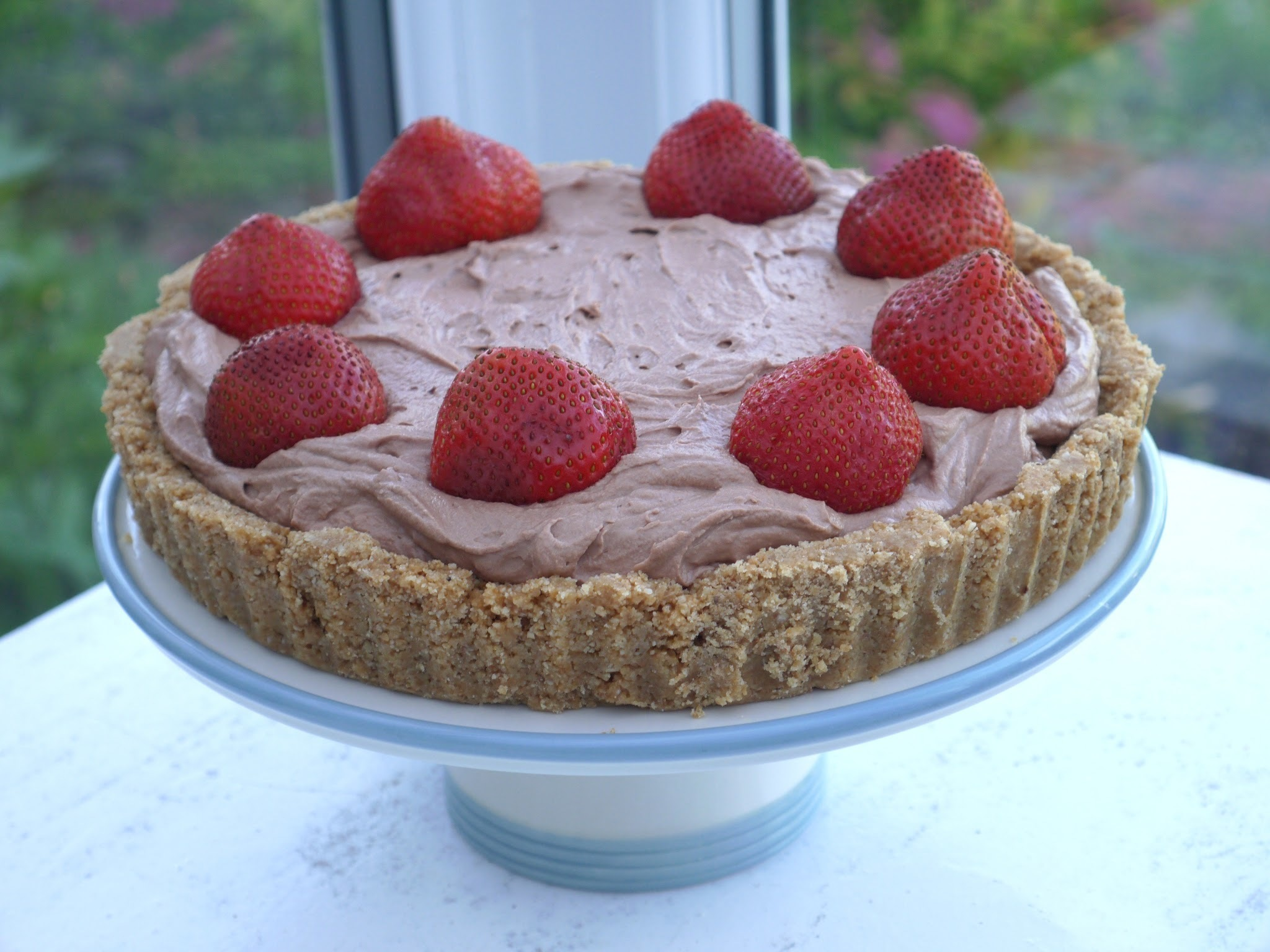 No-Bake Nutella Cream Tart with Oaty Shortbread Base.
