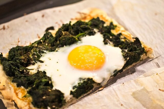 Spinach Pizza with Fried Eggs and Gruyère