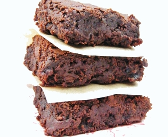 Vegan Prune & Chocolate Fudge Brownies