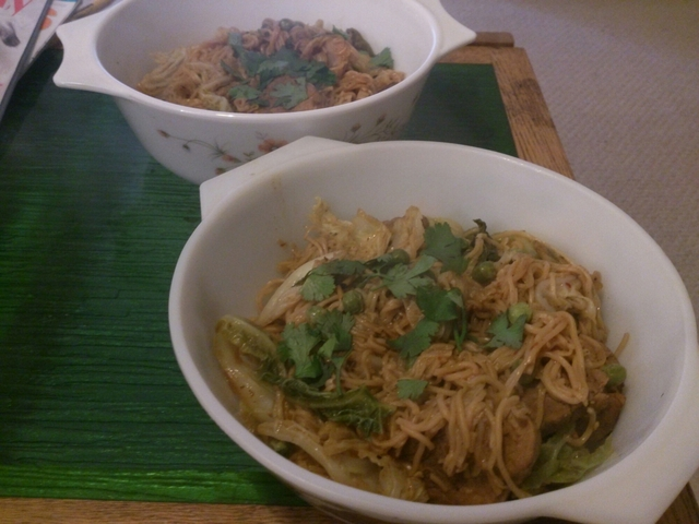 Spicy pork and cabbage noodles
