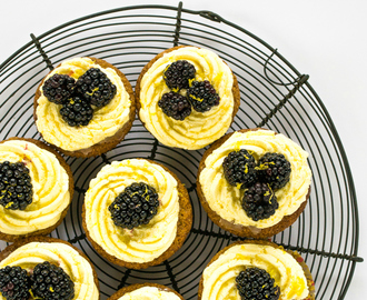Recipe: Lemon Drizzle & Blackberry Cupcakes (Vegan)