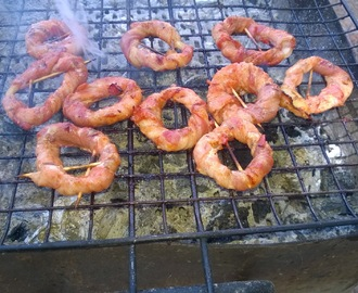 Beacon onion rings - Anelli di cipolla ricoperti di becon